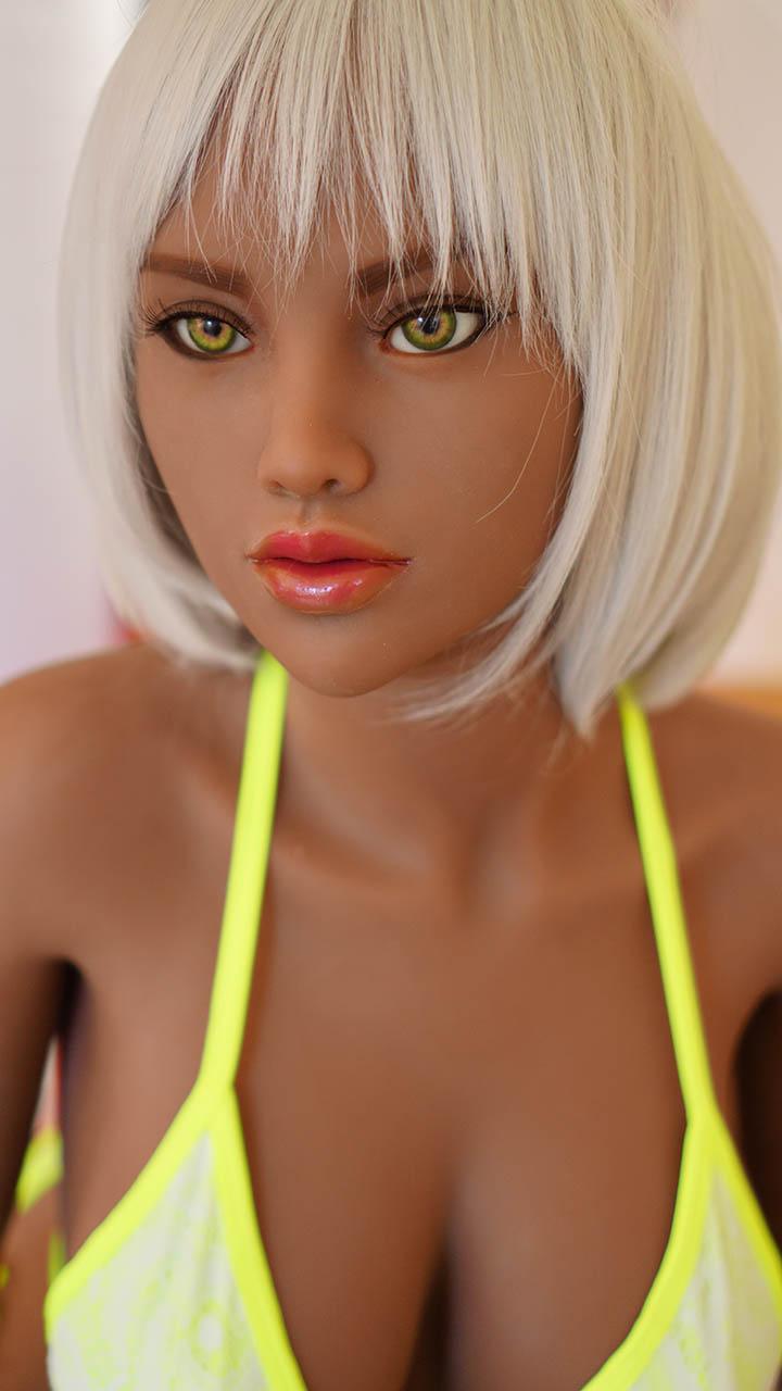 Gilly Doll Forever Bronzée Visage Zoom
