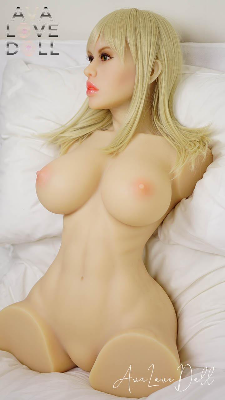 Torse Sarah Piper Doll Blonde Gros Seins Corps Lit Nue Face