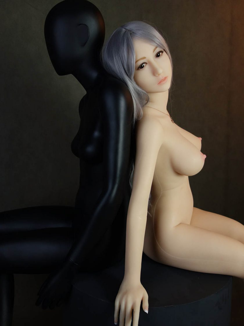 Yan Doll Forever Assise Violet Nue Seins Assis Profile Bras