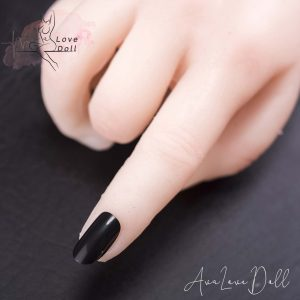 Ongles des mains noirs