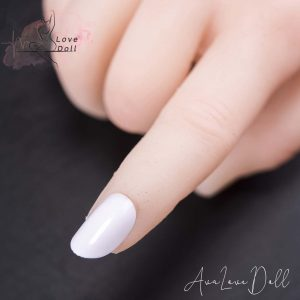 Ongles des mains blancs